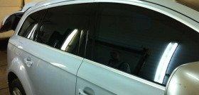 На фото - электронная тонировка автомобиля, vk.com