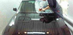 На фото - полировка лобового стекла автомобиля, lifansolano-club.ru