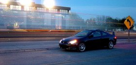 На фото - как безопасно водить автомобиль ночью, namonitore.ru