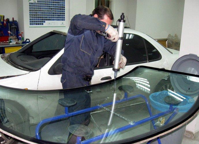 Вклейка лобового стекла своими руками фото