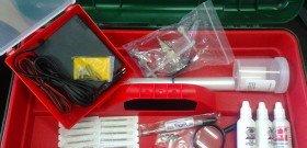 На фото - набор оборудования для ремонта ветровых стекол авто, axisshop.ru
