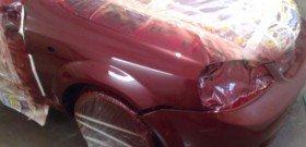 На фото - локальная покраска переднего крыла автомобиля, exstrim-bog.ru