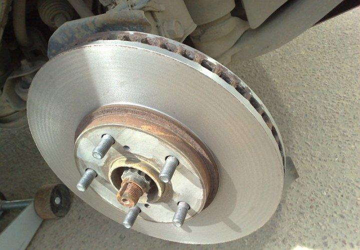 Как проточить тормозной диск своими руками видео - Греются тормозные диски почему и что делать, если