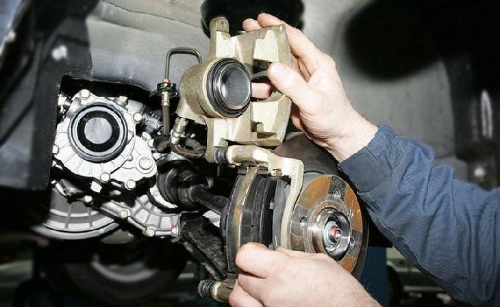 Фото диагностики тормозной системы автомобиля