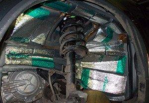 На фото - как сделать шумоизоляцию колесных арок снаружи, alarm-studio.ru
