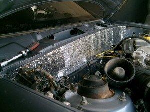 Фото шумоизоляции моторного отсека со стороны двигателя, drive2.ru