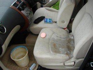 На фото - чистка сидений автомобиля своими руками, foto.drom.ru