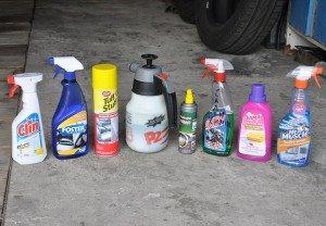 На фото - средства для чистки обивки салона автомобиля, carnovato.ru