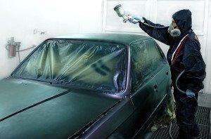 На фото - покраска автомобиля в матовый цвет, motors.ru