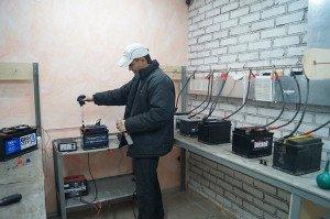 Фото ремонта автомобильных аккумуляторов, akb-moscow.ru