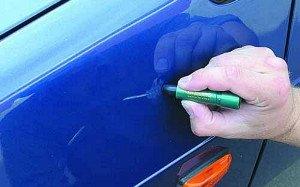 Фото устранения с кузова авто царапин и сколов с помощью автокарандаша, avtogam.ru