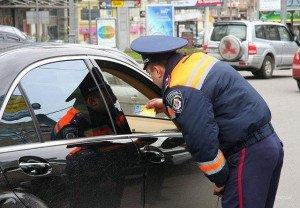 На фото - соблюдение правил дорожного движения, censor.net.ua