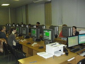 Фото сдачи теоретического экзамена в ГИБДД, autoschool-virazh.ru
