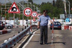 На фото - знание ПДД и дорожных знаков, auto43.ru