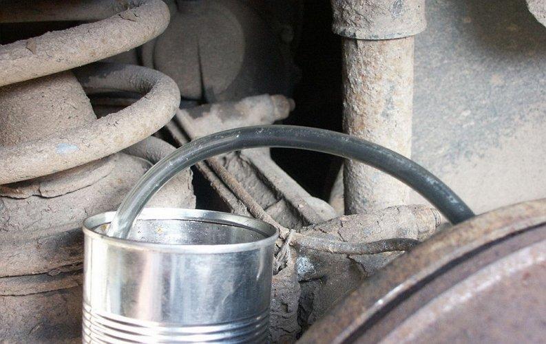 Фото смены тормозной жидкости авто своими руками