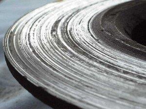 На фото - изношенные тормозные диски, avtoo.at.ua