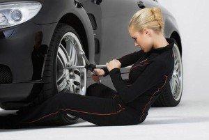 Фото смены колеса авто, streetracing.ru