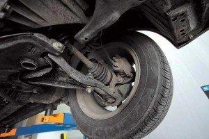 Фото диагностики стучащей передней подвески автомобиля, autoshcool.ru