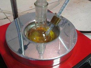 Фото лабораторного тестирования тормозной жидкости, automps.ru