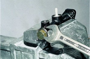 Фото разборки главного тормозного цилиндра, autoshcool.ru
