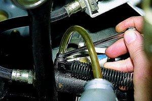 Фото подачи компрессором сжатого воздуха в цилиндр, automuse.ru