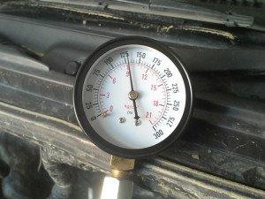 Фото низкой компрессии в одном из цилиндров, drive2.ru