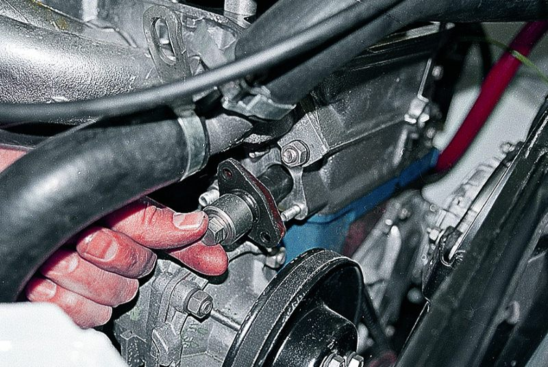 Двигатель в масле ваз 2101