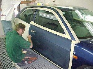Фото оклейки автомобиля лентой перед покраской, carscool.ru