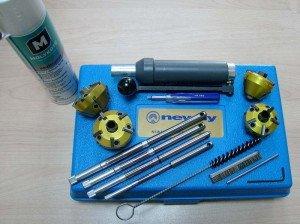 На фото - инструменты для ремонта двигателя автомобиля, drive2.ru