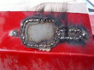 На фото - правильно приваренная заплатка на кузове авто, autotuningnews.ru