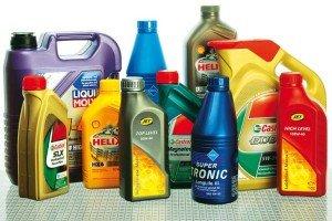 На фото - выбор автомобильного масла от производителя, autobild.by