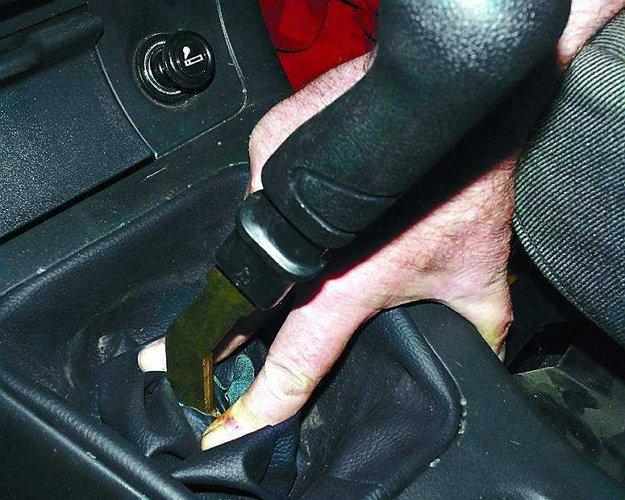 Фото рычага переключения передач на ВАЗ 2110