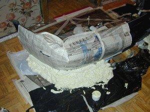 На фото - оклеивание готового бампера бумагой, rabotai.in