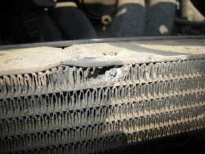 Фото повреждения оболочки радиатора авто, vectra-club.su