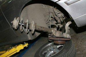 Фото демонтажа переднего амортизатора, rubmw.ru