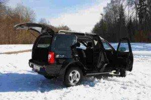 На фото - проветривание машины после мойки на морозе, kakprosto.ru