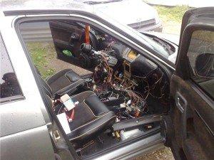 На фото - пригоревшая проводка автомобиля, lada.cc