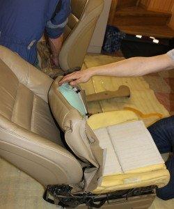 На фото - снятие старой обшивки с сидений авто, drive2.ru