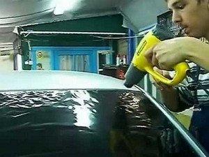 Фото снятия тонировочной пленки с заднего стекла, youtube.com