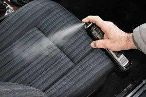 Фото обработки сидений авто антистатиком, avtomotospec.ru