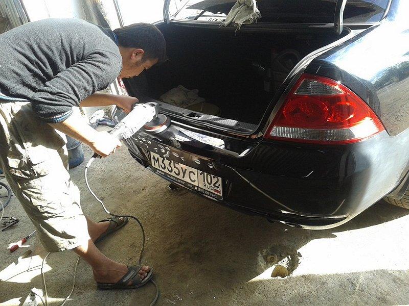 Фото полировки бампера автомобиля