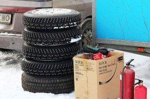 Фото ошипованных колес автомобиля, idrive.kz