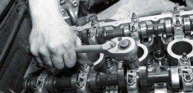 На фото - устранение вибрации двигателя, avtolab.biz