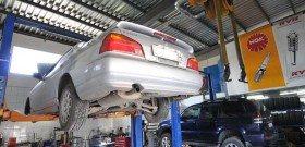 На фото - поиск вибрации дизельного двигателя, auto-ren.ru