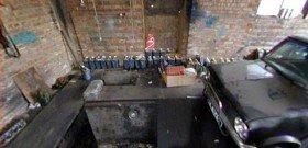 На фото - обустройство смотровой ямы в гараже, courtnewsuk.co.uk