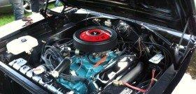 На фото - чистый двигатель автомобиля, classicroad.com