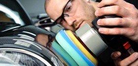 На фото - удаление царапин авто полиролью, polishedbliss.co.uk