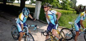 Фото велосипедистов в группе, cyclingnews.com