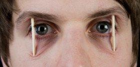 На фото - совет, чтобы не заснуть за рулем, maxisciences.com