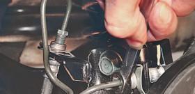 Фото как заменить тормозную трубку, w202club.com